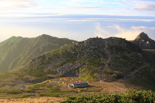 山頂よりテント場