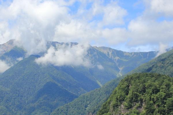 バスの中 北岳山荘