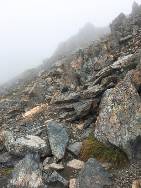 0830 岩下山
