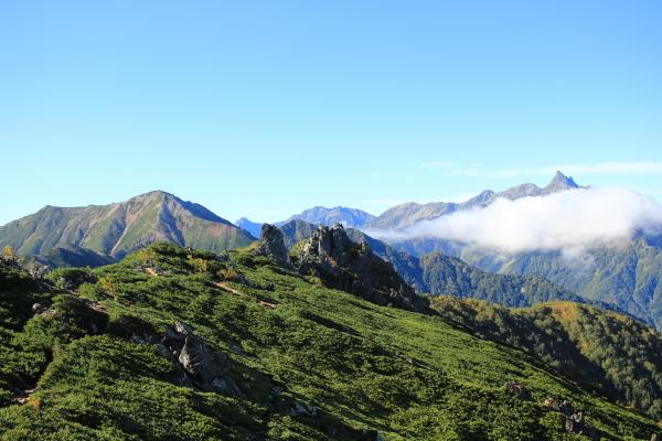 0825 登山道と槍ヶ岳