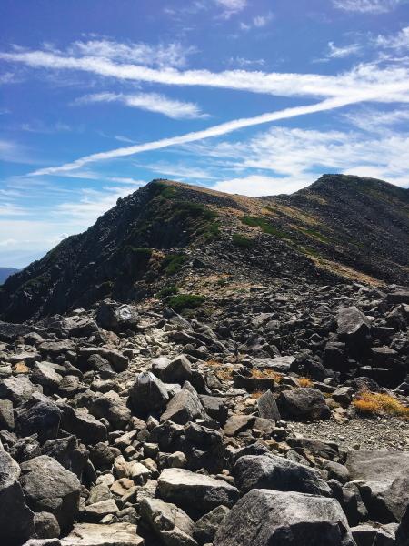 1004岩ゴロ稜線