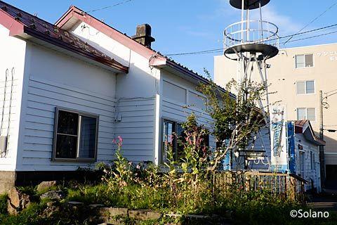 札幌市、旧石切山駅跡に移設された石山サイレン塔