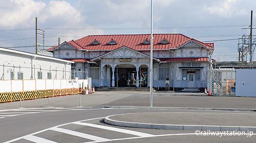 南海電鉄本線、高架化工事の準備が進む浜寺公園駅。