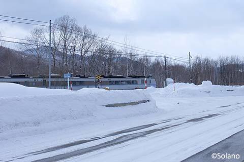 石北本線を走る札幌行き上り特急オホーツク
