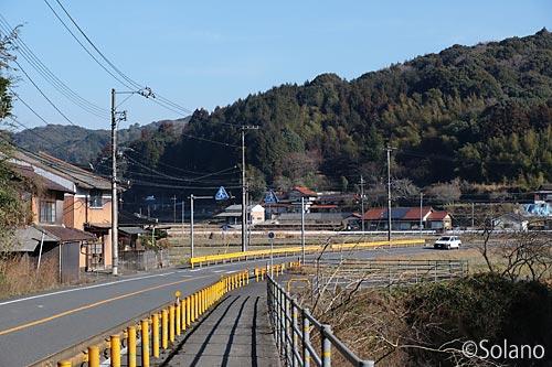 駅間徒歩で、厚保駅‐四郎ヶ原駅間の県道33号線を歩く