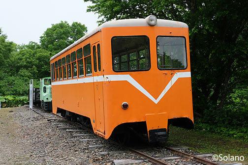 奥行臼駅側、別海村営軌道の保存車両