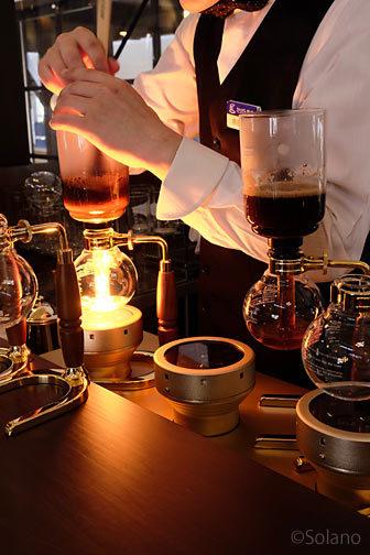 えちぜん鉄道・勝山駅のえち鉄カフェ、サイフォンで淹れるコーヒー