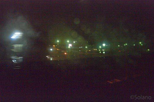 寝台特急・富士・はやぶさ、流れ行く夜の車窓