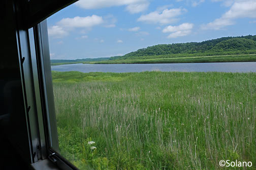 根室本線末端部の花咲線、自然豊かな車窓風景