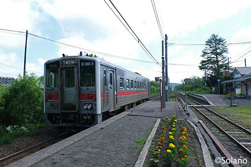 根室本線(花咲線)、花がきれいな上尾幌駅