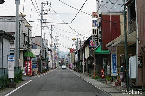 青い森鉄道・剣吉駅、駅前の街並み