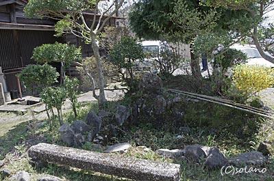 jR九州・肥薩線・真幸駅、廃れた庭園跡の枯池