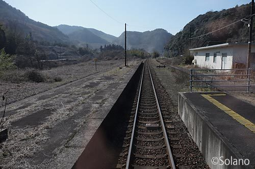 美祢線、かつて大嶺支線が分岐していた南大嶺駅ホーム