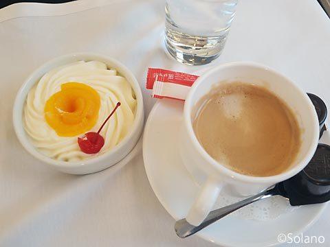 ロシアの特急サプサン、一等車食事サービス、デザートとコーヒー