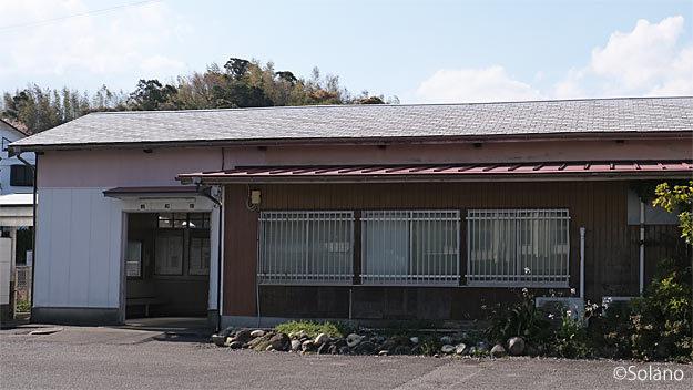 紀勢本線・鵜殿駅の木造駅舎