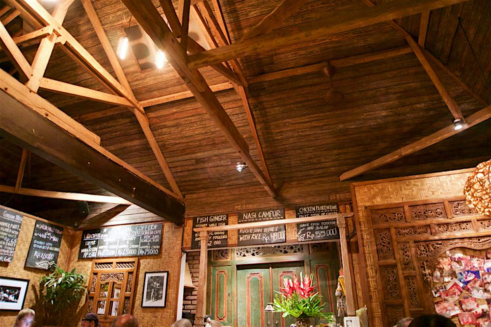 バリ島 Tanjung Sari Hotel 滞在記 その1 Lilla Warung  内観2