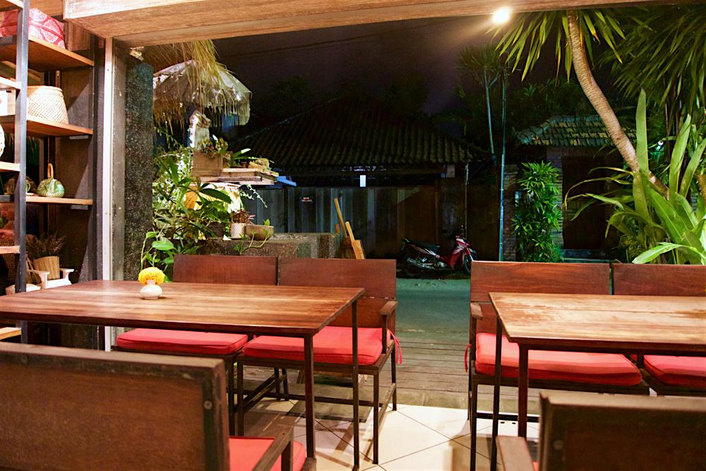 バリ島 Tanjung Sari Hotel 滞在記 その1 Lilla Warung 内観1