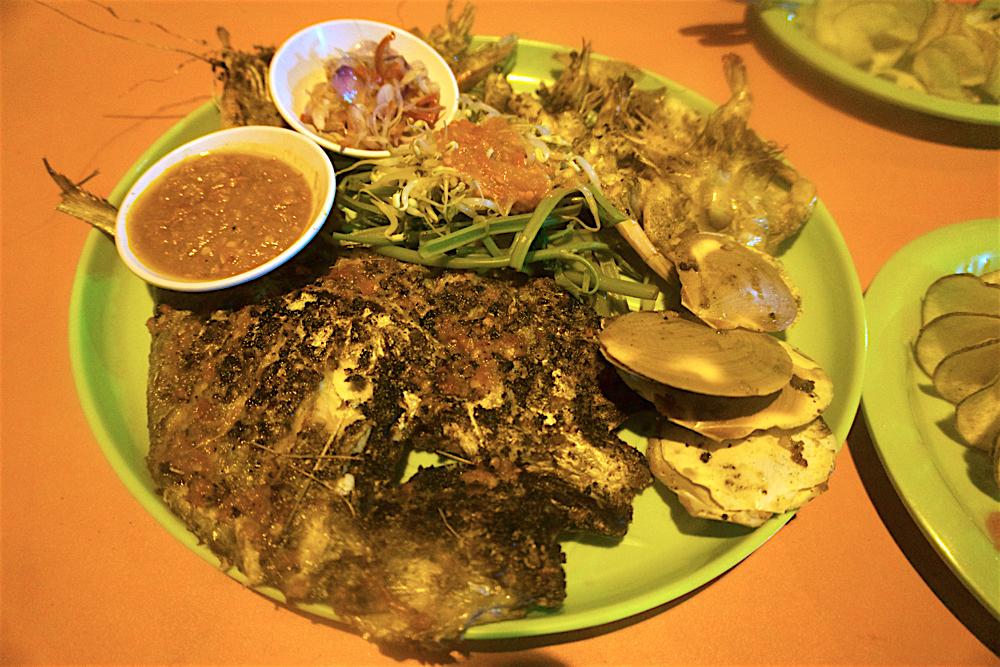 バリ島 Tanjung Sari Hotel 滞在記 その3 Wahrung Amphibia MIX SEAFOOD
