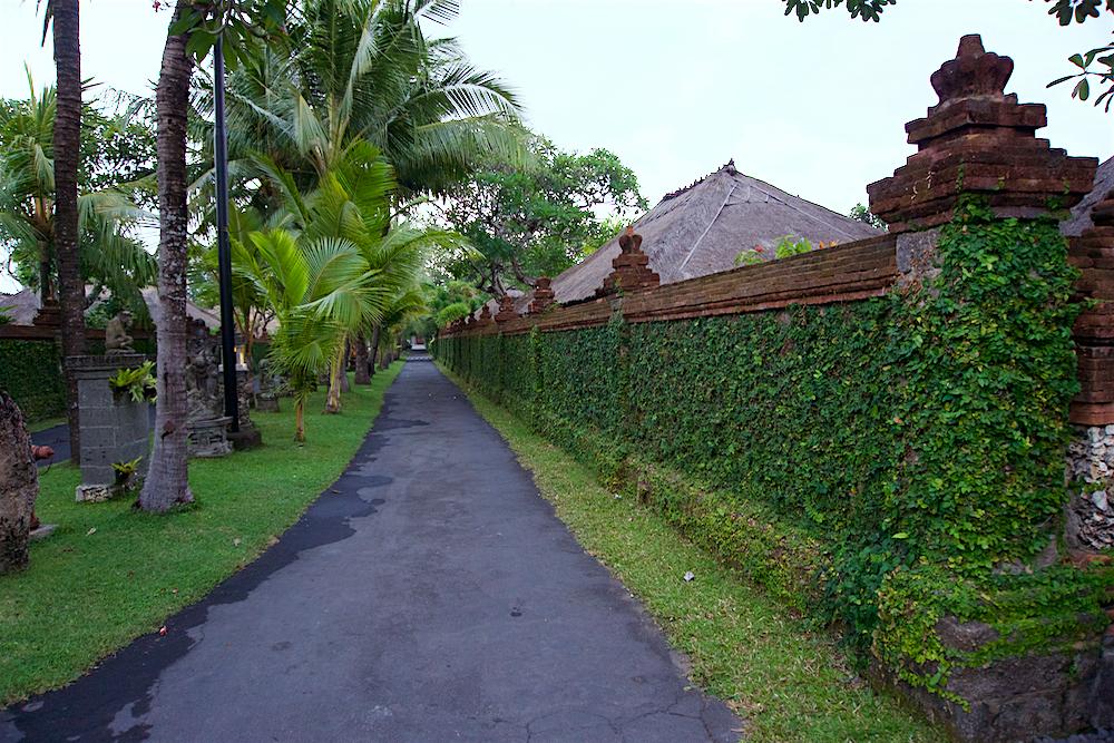 バリ島 Tanjung Sari Hotel 滞在記 その3 トローリング ホテル敷地2