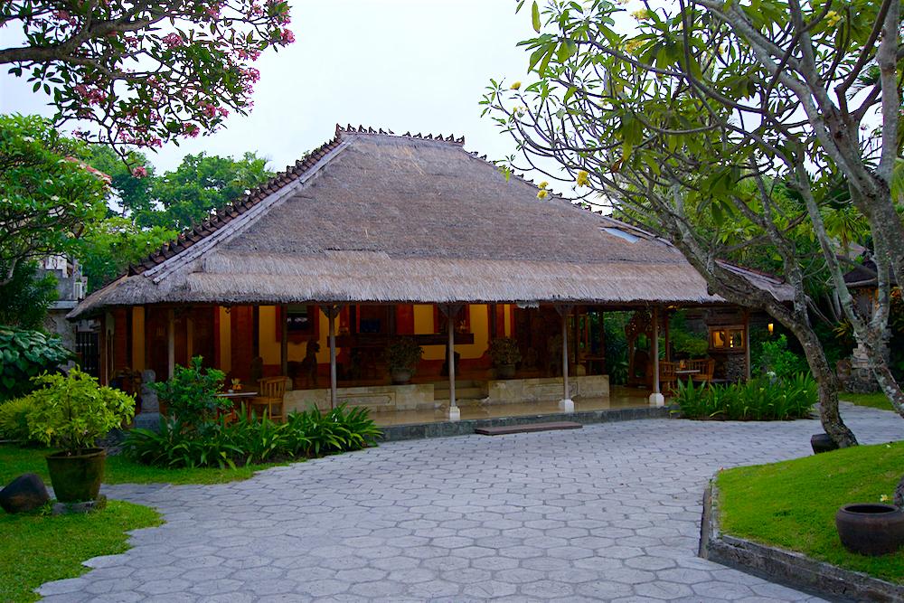 バリ島 Tanjung Sari Hotel 滞在記 その1 Tanjung Sari Hotel ロビー