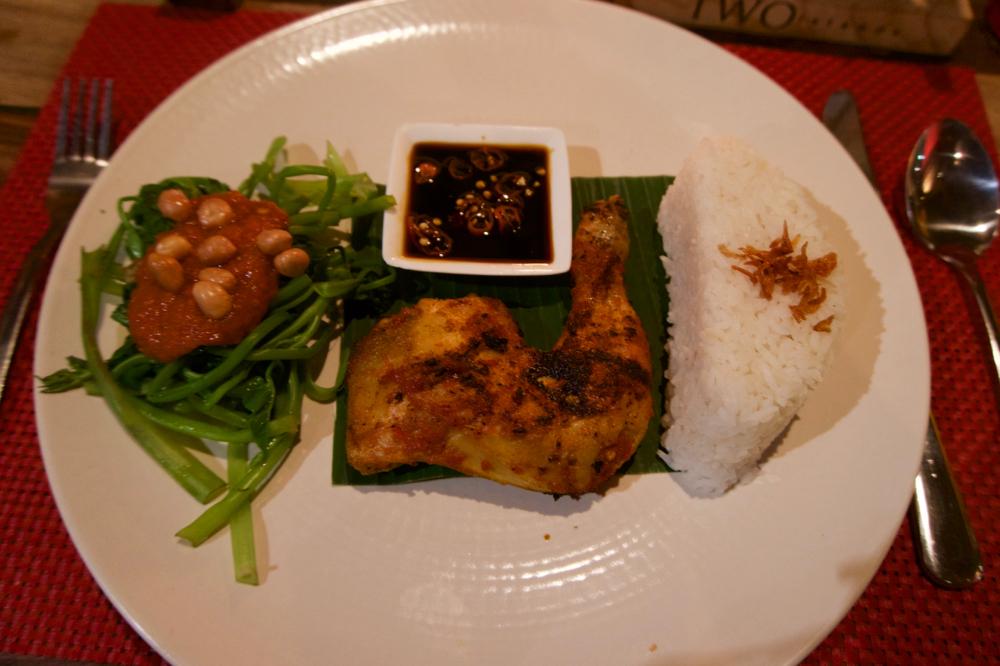 バリ島 Tanjung Sari Hotel 滞在記 その5 Warung Pregina SIAP PANDDANG なんちゃら~