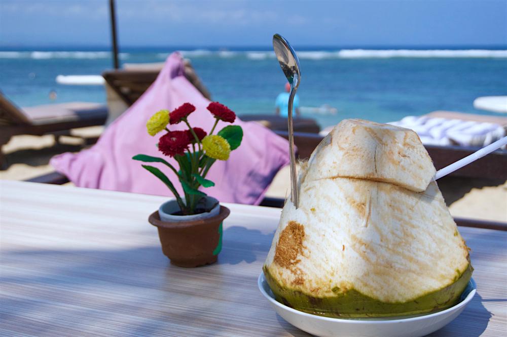 バリ島 Tanjung Sari Hotel 滞在記 その6 ココナッツジュース