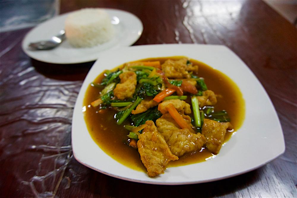 バリ島 Tanjung Sari Hotel 滞在記 その6 Warung Beringin Babi Goring Kecap