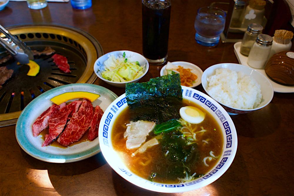 焼肉みやま@宇都宮市野高谷町 煮干しラーメン焼き肉セット