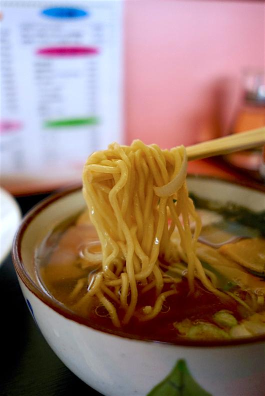中華 きりん@宇都宮市岩曽町 2 自家製麺