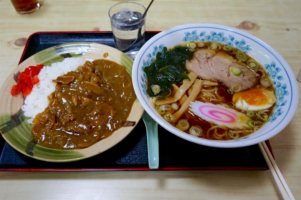 まんぷく食堂@那珂川町馬頭 ラーメン 半カレー