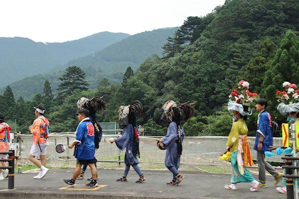 棚沢熊野神社の獅子舞 002