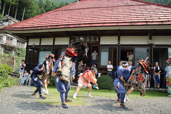 棚沢熊野神社の獅子舞 011