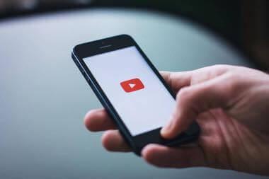 あなたのブログの動画はスマートフォンではみ出してるかもしれない