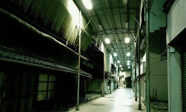 shopping-street-2197211_640.jpg
