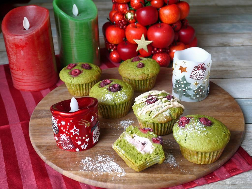 簡単!「クリスマスカラーの抹茶マフィン」の作り方☆混ぜて焼くだけ