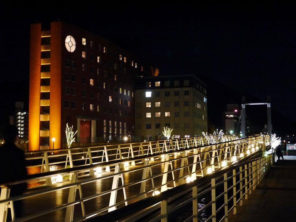 「門司港レトロ浪漫灯彩 イルミネーション2018」今年は電球色&白色!
