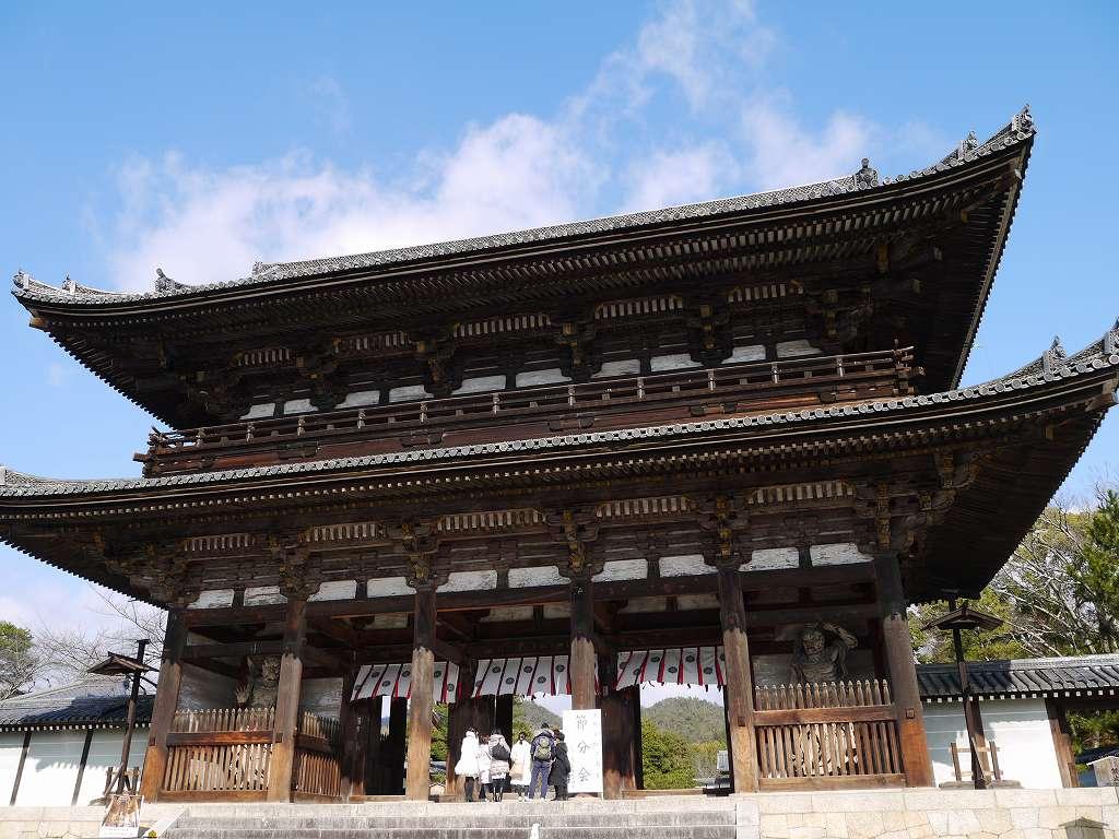 「仁和寺(京都市右京区)」趣の異なる庭園が素敵な☆歴史文学でも知られるお寺
