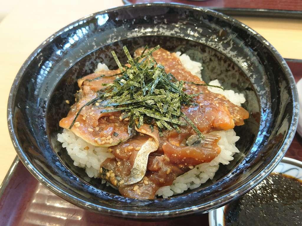 「山田SA グリーンキッチン(福岡県朝倉市)」ランチに!佐賀海苔しょうゆの肥前ごまさば丼~ひつまぶし風