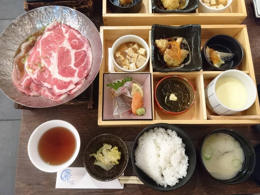「さかなマルシェ2号店(北九州市小倉北区)」で、満足の日替わりランチ☆