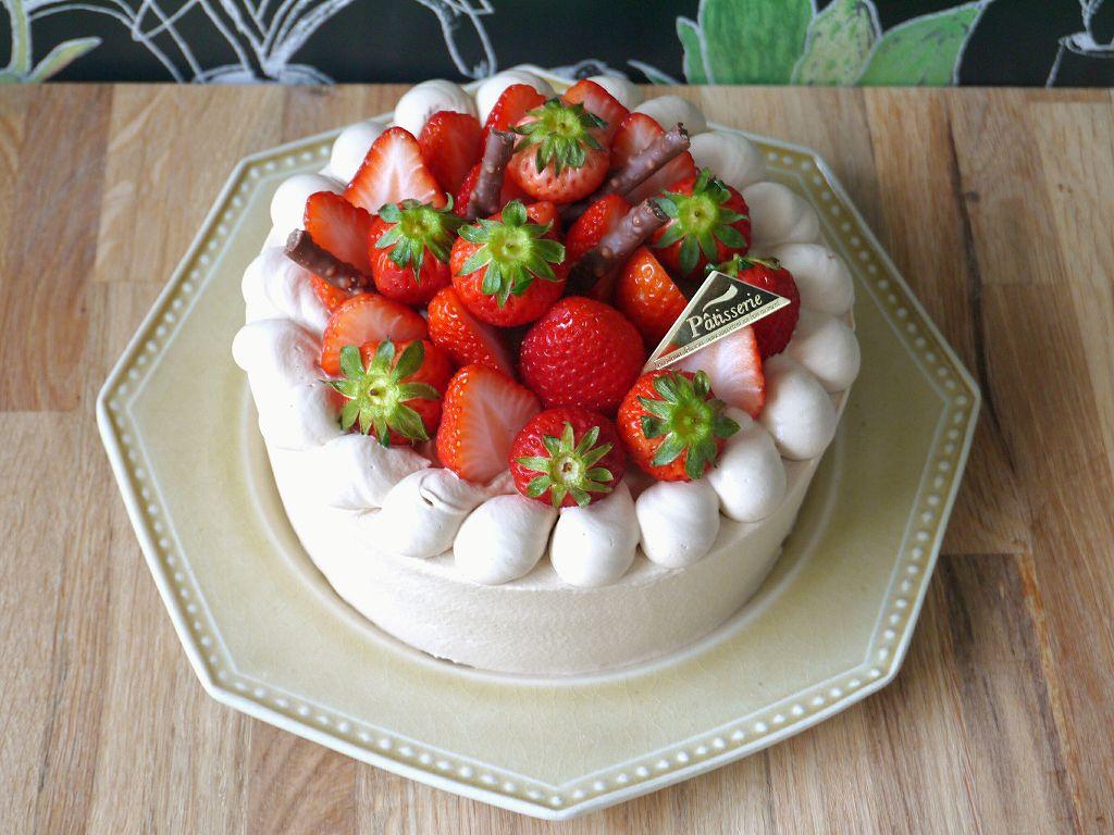 「珈琲×チョコガナッシュのデコレーションケーキ」レシピ☆ほろ苦さとコクの大人ケーキ