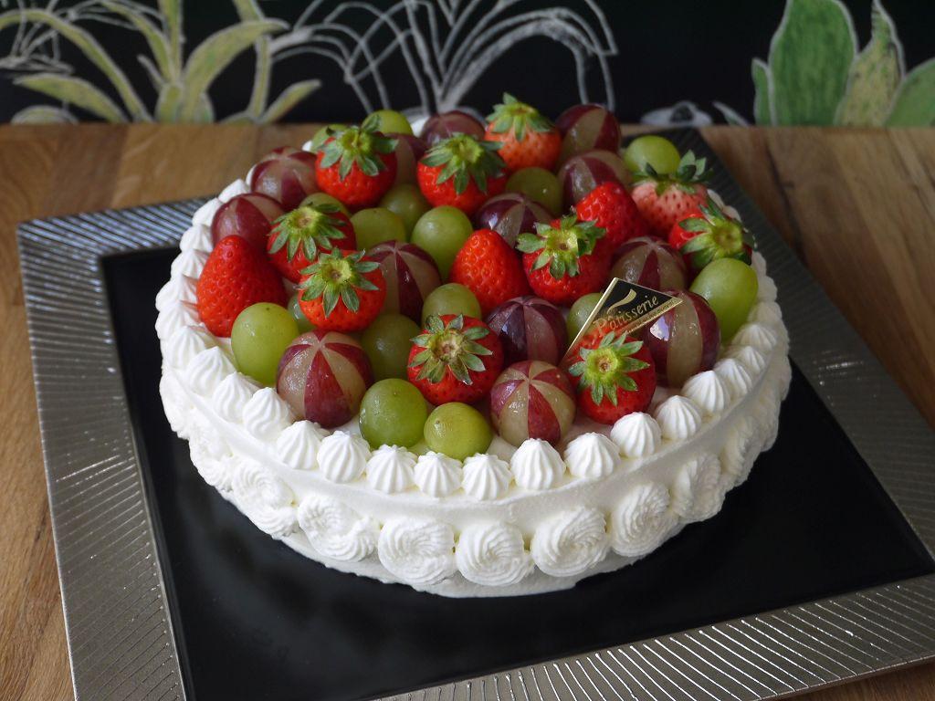 「取り分けやすい18cmデコレーションケーキ」の作り方☆作るのも取り分けるのも簡単!!
