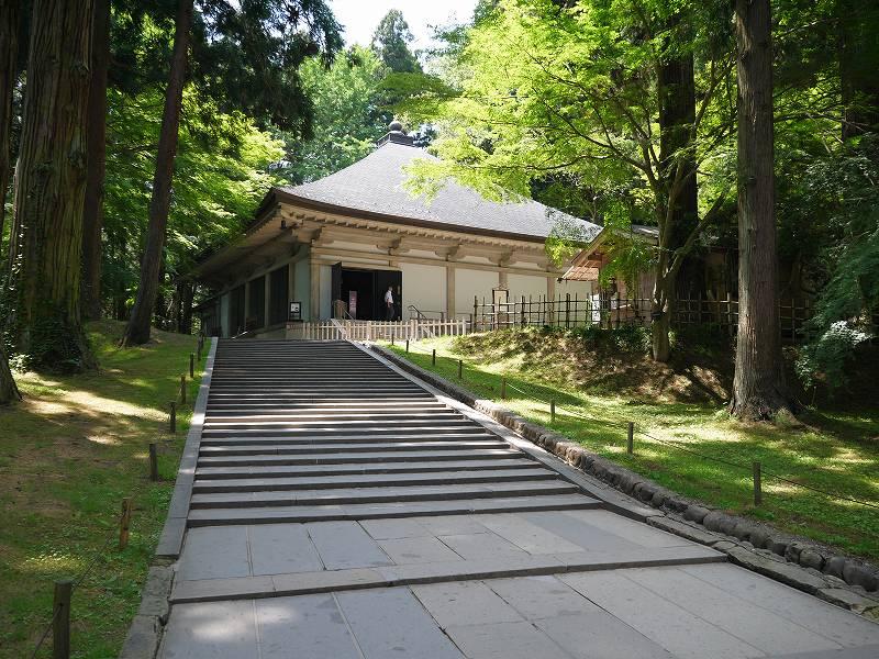 「中尊寺(岩手県平泉町)」中尊寺金色堂、世界文化遺産の仏教美術にふれる。