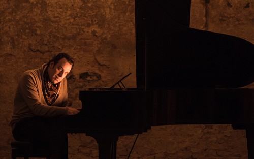 シネクロ-黙ってピアノ-2