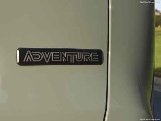 RAV4Adventurencga165.jpg