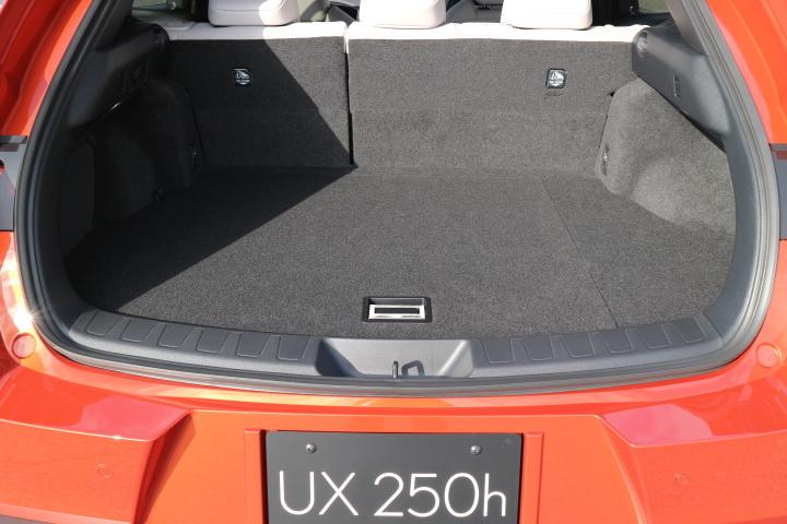 UX107.jpg