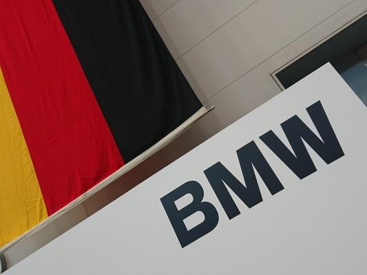 mym19bmw0.jpg